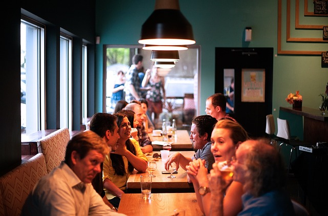 How to build restaurant identity: 3 useful tips
