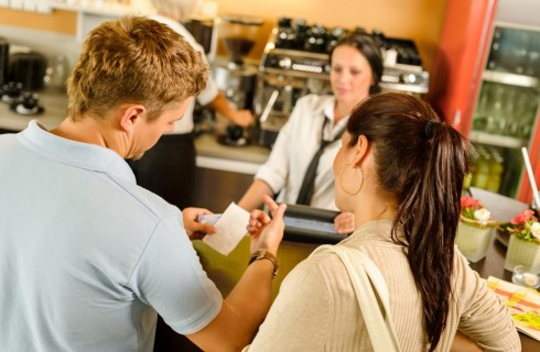 Automatic cash point for catering: advantages